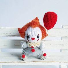 Pennywise Amigurumi by AnyaZoe Cute Crochet, Crochet Dolls, Beautiful Crochet, Le Clown, Pennywise The Dancing Clown, Stuffed Toys Patterns, Amigurumi Doll, Crochet Projects, Just In Case