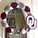 I'm going to make this wreath for the in laws! Pretty sure they would love it.