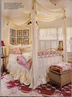Country cottage's delicious bedroom ! It has the look of a canopy bed, even though it's not.