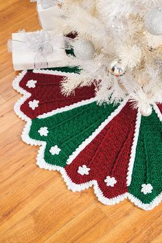 Festive Tree Skirt from the December 2014 issue of Crochet World magazine