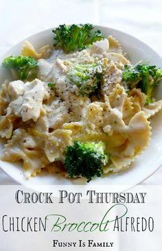 This Crock Pot Chicken Broccoli Alfredo is delicious, and can be thrown together in the time it takes the kids to find their shoes in the morning. #onepotmeals #slowcookerchicken