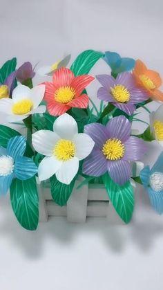 Paper Flowers Craft, Paper Crafts Origami, Diy Flowers, Diy Crafts Hacks, Diy Crafts For Gifts, Creative Crafts, Flower Making Crafts, Flower Crafts, Straw Crafts