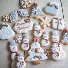 Christmas Biscuits, Christmas Sugar Cookies, Christmas Snacks, Christmas Cooking, Noel Christmas, Holiday Cookies, Iced Cookies, Cute Cookies, Royal Icing Cookies