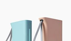 Kettle appearance in the design of the battery pack is built with blue and pink colors