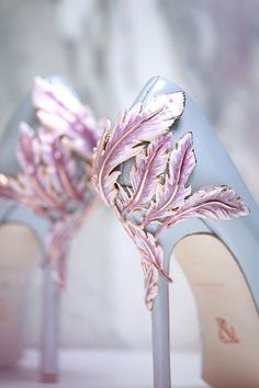 23 Stunning Wedding Shoes to Complete Your Fairy Tale Prince.- 23 Stunning Wedding Shoes to Complete Your Fairy Tale Princess Look! – Praise Wedding 23 Stunning Wedding Shoes to Complete Your Fairy Tale Princess Look! Pretty Shoes, Beautiful Shoes, Cute Shoes, Me Too Shoes, Gorgeous Heels, Dream Shoes, Crazy Shoes, Lila High Heels, Miu Miu Tasche