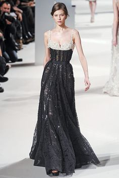 Elie Saab Couture Spring 2011 - Elie Saab's Most Magnificent Couture Dresses - Photos Style Couture, Couture Fashion, Runway Fashion, Fashion Goth, Steampunk Fashion, Victorian Fashion, Beautiful Gowns, Beautiful Outfits, Gorgeous Dress