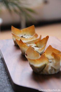 Tajine Malsuka. Rezept auf http://www.tunesischkochen.de/tajine-malsuka-herzhafte-muffins-mit-malsukateig/