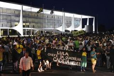"""BLOG ÁLVARO NEVES """"O ETERNO APRENDIZ"""" : OPOSICIONISTA PROTESTAM CONTRA NOMEAÇÃO DE LULA EM..."""