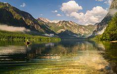 Slovénie - Ici, fleuves et rivières sillonnent le paysage au pied d'immenses montagnes. La truite marbrée, connue sous le nom de « Fierté de la Slovénie », fait le bonheur des pêcheurs à la ligne. Photos, Travel, Trout, Mountains, Landscape, Voyage, Pictures, Viajes, Traveling