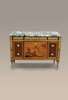 Louis XVI/Classical style Commode à Ressaut