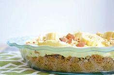 No-Bake Banana Nilla Pie Recipe via Pie Recipes, Baking Recipes, Sweet Recipes, No Bake Desserts, Just Desserts, Banana Cream Desserts, Banana Pudding Cake, Baked Banana, Vegan Dishes