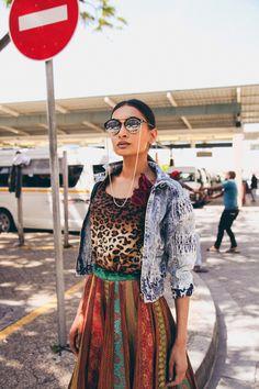 Fusion Streetstyle Ethnic African Indian Ethnic Fusion Saree Fashion Vintage Chic 70's Kimono Streetwear Styling Photoshoot Saree Fashion, Saree Styles, Indian Ethnic, Fashion Vintage, Diversity, Streetwear Fashion, Street Wear, Kimono, Bohemian