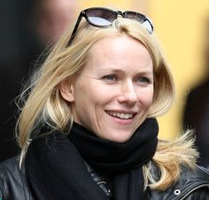 This picture was my inspiration for the main character in The Stolen Child - Zoe Morley. Obviously, Naomi Watts is a very beautiful woman, but I like the way she looks more like one of us here! Naomi Watts, Very Beautiful Woman, Sienna Miller, Dove Cameron, Celebs, Female Celebrities, Lily Collins, True Beauty, Amazing Women