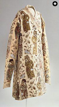 LIVRUSTKAMMAREN, STOCKHOLM / BRIDGEMAN ART LIBRARY This coat of cut velvet was made in Iran for the Czar of Russia, who in 1644 gave it to Queen Christina of Sweden.