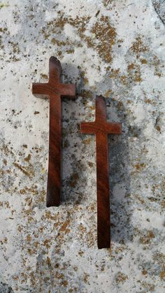 rustic mesquite burl wood crosses for altered art, mixed media, collage, jewelry, wall decor by JackRabbitFlats on Etsy Tung Oil Finish, Mesquite Wood, Jewelry Wall, Wood Crosses, Altered Art, Swirls, Making Out, Etsy Store, Mixed Media