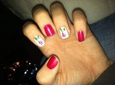 Hollys mistletoe nails