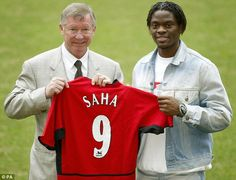 Louis Saha signs in 2004
