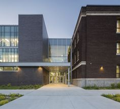 High School in Lachine / Marosi Troy Architectes + Jodoin Lamarre Pratte architectes