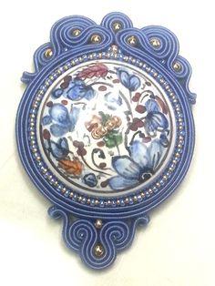 Soutache: pendente in ceramica di Deruta. Soutache: Deruta ceramic pendant. www.annodarte2013.blogspot.it