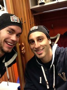 Lack and Luongo, Vancouver Canucks. Love this bromance;)