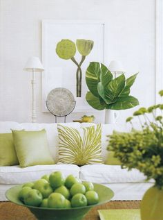 41 super Ideas for living room green accents decor furniture Living Room Green, Green Rooms, Living Room Decor, Dining Room, Home Theaters, Color Of The Year 2017, Estilo Tropical, Tropical Decor, Tropical Style