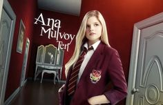 such a ditz in house of anubis but soooo funny