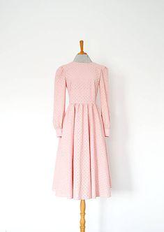 Kvietkované madeirové šaty s riasenou sukňou (ružová) | vivienmihalish.sk Dresses With Sleeves, My Style, Long Sleeve, Clothes, Fashion, Wood, Outfits, Moda, Clothing