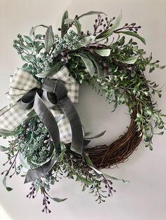 Fabric Wreath, Diy Wreath, Wreath Crafts, Wreath Ideas, Boxwood Wreath, Grapevine Wreath, Fall Wreaths, Front Door Wreaths, Christmas Wreaths For Front Door