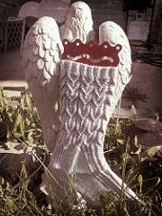 Ravelry: Weeping Angel pattern by Maire Martin Doctor Who Knitting, Arm Knitting, Knitting Socks, Knit Socks, Knitting Videos, Knitted Slippers, Knitting Projects, Knitting Patterns Free, Crochet Patterns