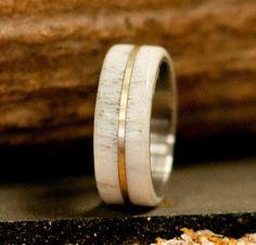 Mens demi-jonc Elk Antler Titanium Wedding Band par StagHeadDesigns