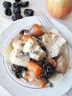 AIP Slow Cooker Chicken Stew from asquirrelinthekitchen.com #AIP #autoimmunepaleo #autoimmuneprotocol