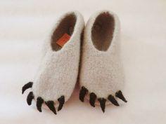 """Filzhausschuhe """"Bärentatze"""", Eisbär // felt slippers for kids by Wunderland via dawanda.com"""