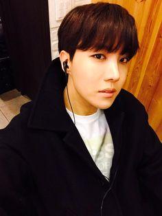 BTS Tweet - Jhope (selca) 150331