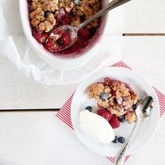 SMULDREPAI MED EPLER OG BÆR | TRINES MATBLOGG Acai Bowl, Oatmeal, Breakfast, Food, Acai Berry Bowl, The Oatmeal, Morning Coffee, Meals, Rolled Oats