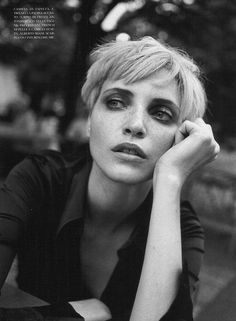 ☆ Nadja Auermann | Photography by Peter Lindbergh | For Vogue Magazine Italy | October 1996 ☆ #Nadja_Auermann #Peter_Lindbergh #Vogue #1996