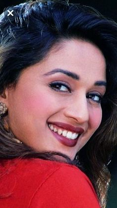 Beautiful Girl Indian, Most Beautiful Indian Actress, Beautiful Saree, Vintage Bollywood, Indian Bollywood, Beautiful Bollywood Actress, Beautiful Actresses, Shraddha Kapoor Bikini, Madhuri Dixit Hot