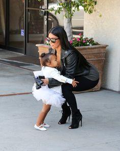 Kim Kardashian Photos - Kim Kardashian and North West Go to Ballet Class - Zimbio