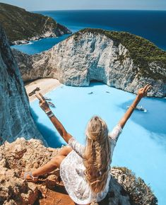 """3,941 Likes, 32 Comments - THE FASHIONISTAS DIARY ❣️ (@the.fashionistas.diary) on Instagram: """"Hello Friday! @pilotmadeleine via @the.stylish.project #thefashionistasdiary #summer #greece"""""""