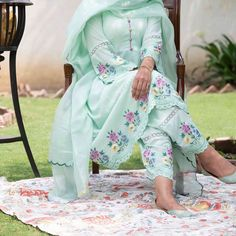 Embroidery Suits Punjabi, Embroidery Suits Design, Embroidery Designs, Indian Suits, Punjabi Suits, Indian Wear, Summer Collection, Dress Collection, Patiala Suit Designs