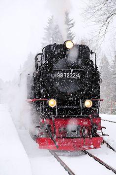 steam and snow by Laird Lothar Locomotive Diesel, Steam Locomotive, Christmas Train, Christmas Makes, Choo Choo Train, Steam Railway, Train Art, Old Trains, Train Pictures