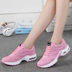 Cheap Running Shoes, Running Sneakers, Zapatillas Casual, Cross Training Shoes, Running Women, Sneakers Fashion, Sneakers Women, Women's Shoes Sandals, Casual Shoes