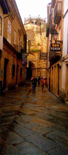 Calle Lepanto y fachada norte de la catedral de Ourense - Rúa Lepanto e fachada norte da catedral