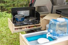 Removable, Ecologic, Fast and Easy to Install Conversion kit Roadloft. Fits most minivans, Dodge Grand Caravan, Sienna or Odyssey. Camping Box, Minivan Camping, Truck Camping, Camping Guide, Camping Hammock, Kayak Camping, Winter Camping, Camping Stuff, Campsite
