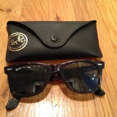 Authentic Rayban Wayfarers Authentic tortoise shell Rayban Wayfarer sunglasses. Right arm of frame is hyperextended and will need to be fixed. Other than that they are in very good used condition! Ray-Ban Accessories Sunglasses