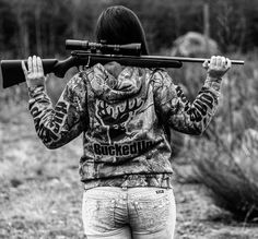 Posted by country__sweetheart on IG Another sick picture taken by the amazing @gabrielleannlarsen. I love this amazing life I live. Guns camo and all!  #camo #country #countrygirl #buckedup #guns #gungirl #gunporn #rifle #17hmr #girlswhoshoot #girlswithguns #gwg #lovelife #missme #pnw
