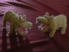 Hippos Pipe Cleaner Projects, Pipe Cleaner Art, Pipe Cleaner Animals, Pipe Cleaners, Art For Kids, Crafts For Kids, Arts And Crafts, Paper Crafts, Diy Crafts
