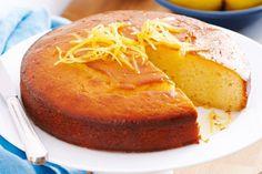 Lemon yoghurt cake with syrup