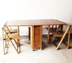 Vifah V62 Indoor Antique Hideaway Table And Chairs One