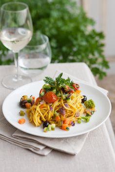 Scopri nella pagina di Sale&Pepe le 10 migliori ricette di spaghetti per la primavera. All'interno di questa pagina troverai la selezione delle top ricette di spaghetti per la primavera.