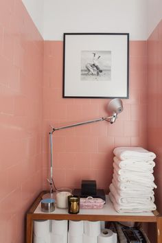 Luxury Home Interior large pink tile in small powder room. Pink Bathroom Tiles, Pink Tiles, Bathroom Artwork, Retro Bathrooms, Bathroom Plants, Small Bathroom, Bad Inspiration, Bathroom Inspiration, Bathroom Ideas